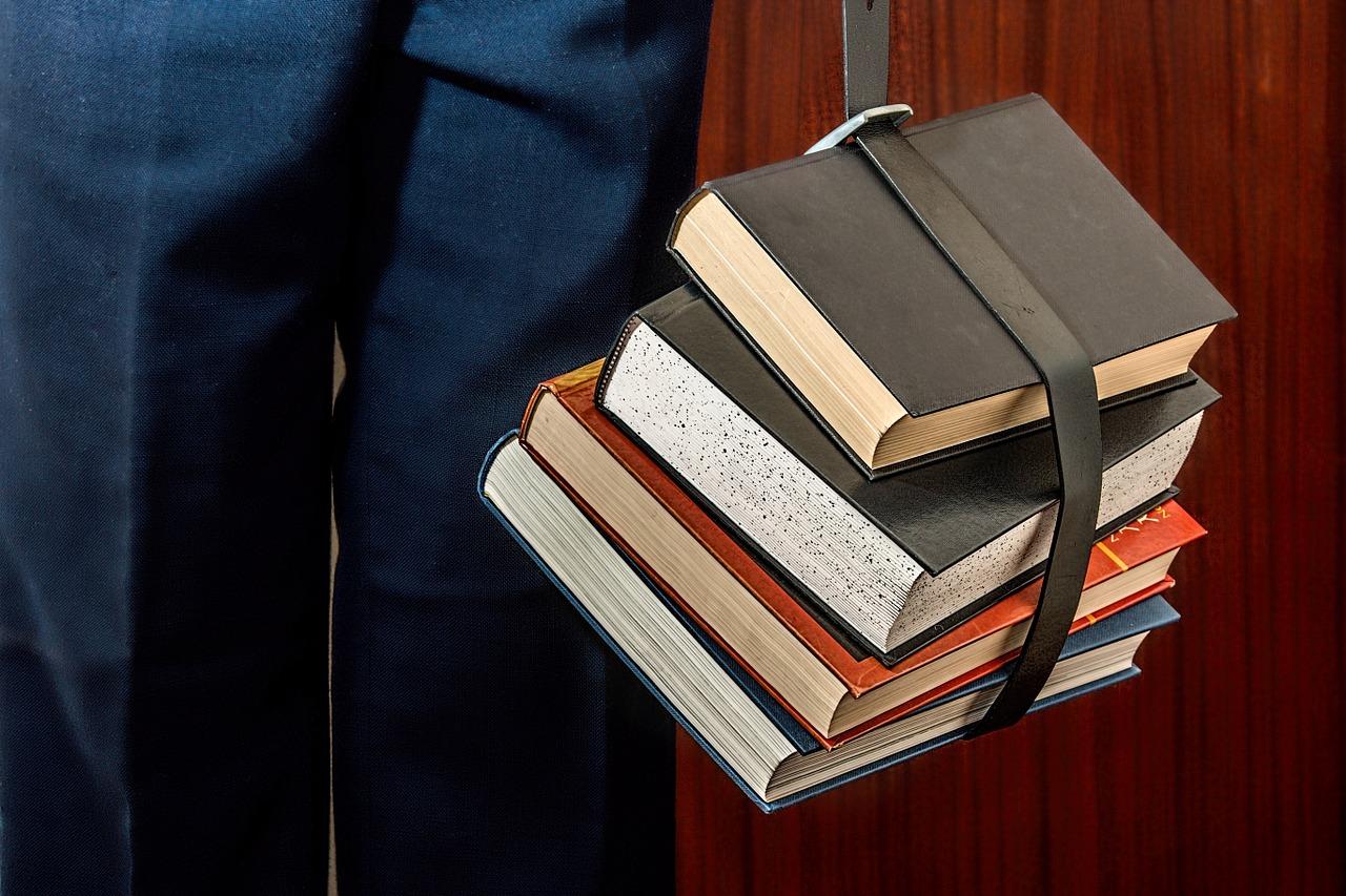 Books 1012088 1280