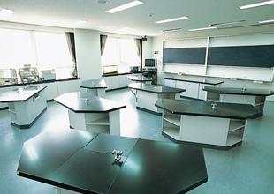 Large img facility08